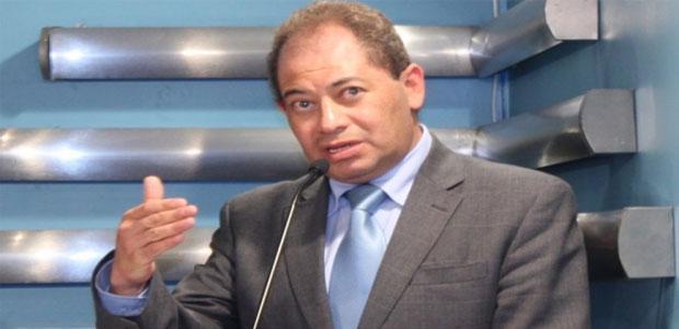 carlos romero-ministro de gobierno