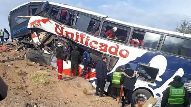 17 muertos en accidente de tránsito en Bolivia [VIDEO y FOTOS]