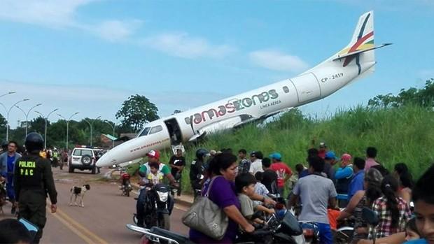 Avión de Amazonas se accidenta en aeropuerto de Bolivia