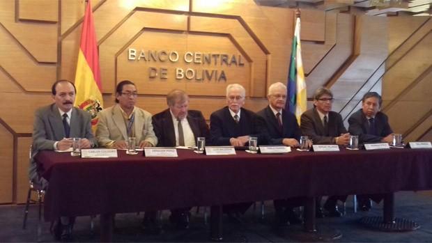 Ante la falta de liquidez BCB baja encaje legal