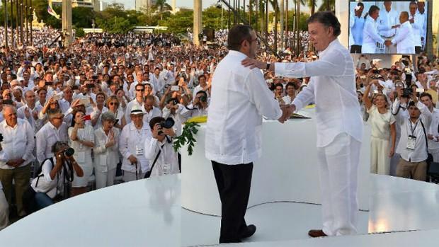 Colombia genera esperanza — Sánchez Cerén