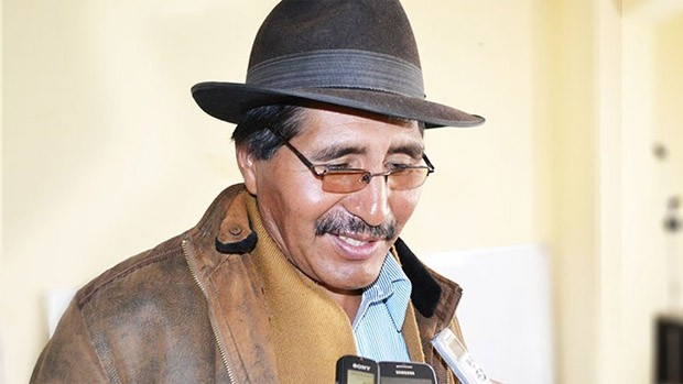 """Sector indígena dice que """"mendiga"""" apoyo logístico para el pacto fiscal"""