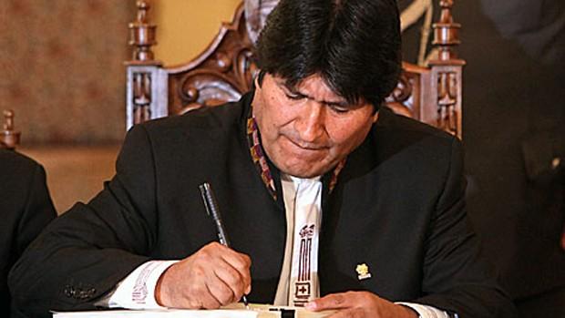 Evo Morales defendió su sueldo como
