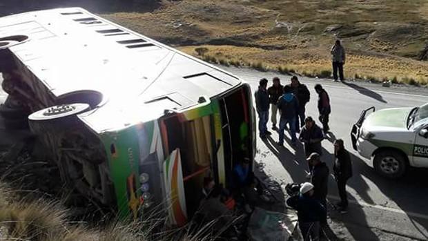Accidente de flota Totaí deja más de 20 heridos en trayecto La Paz-Yungas