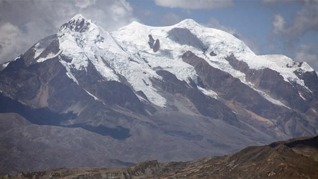 Turista alemán muere sepultado por avalancha en nevado Illimani