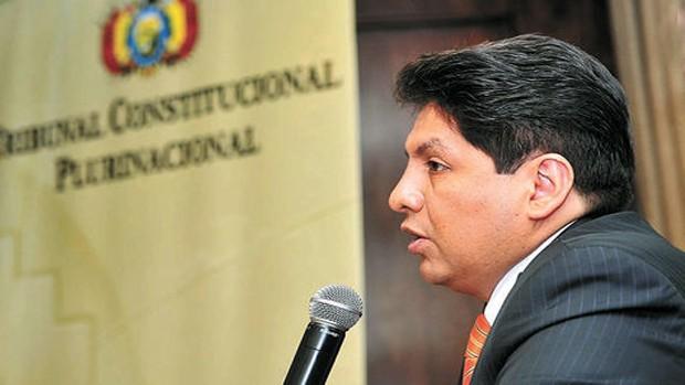 Bolivia: Magistrado que aprobó repostulación de Morales fue contratado por Cancillería