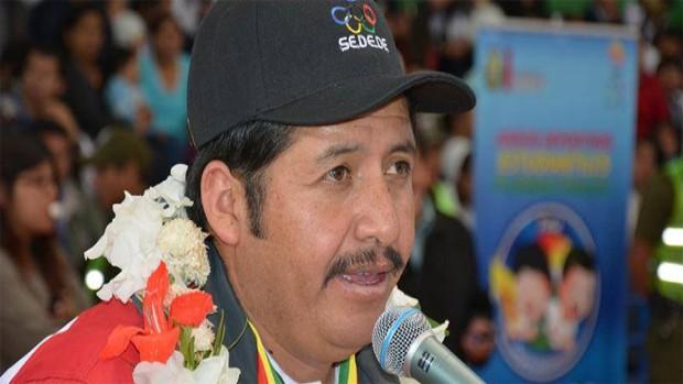 """Gobernador de Chuquisaca, Esteban Urquizu anuncia que reducirá funcionarios """"al máximo"""""""