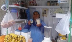 Doña Ceci, vendedora de jugos en Tembladerani